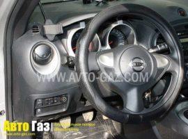 ГБО на Nissan Juke переключатель