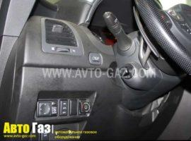 Автомобиль Infiniti FX50.